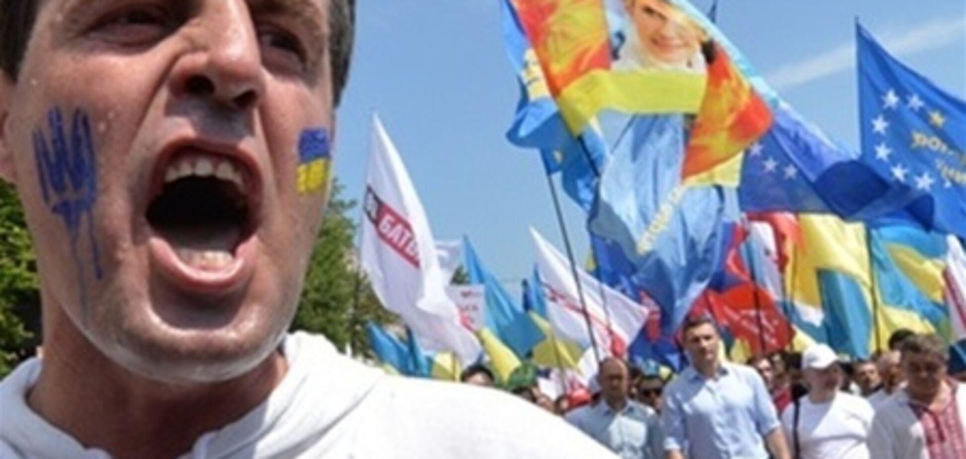 В оппозиции сомневаются в возможности поднять народ за выборы в Киеве