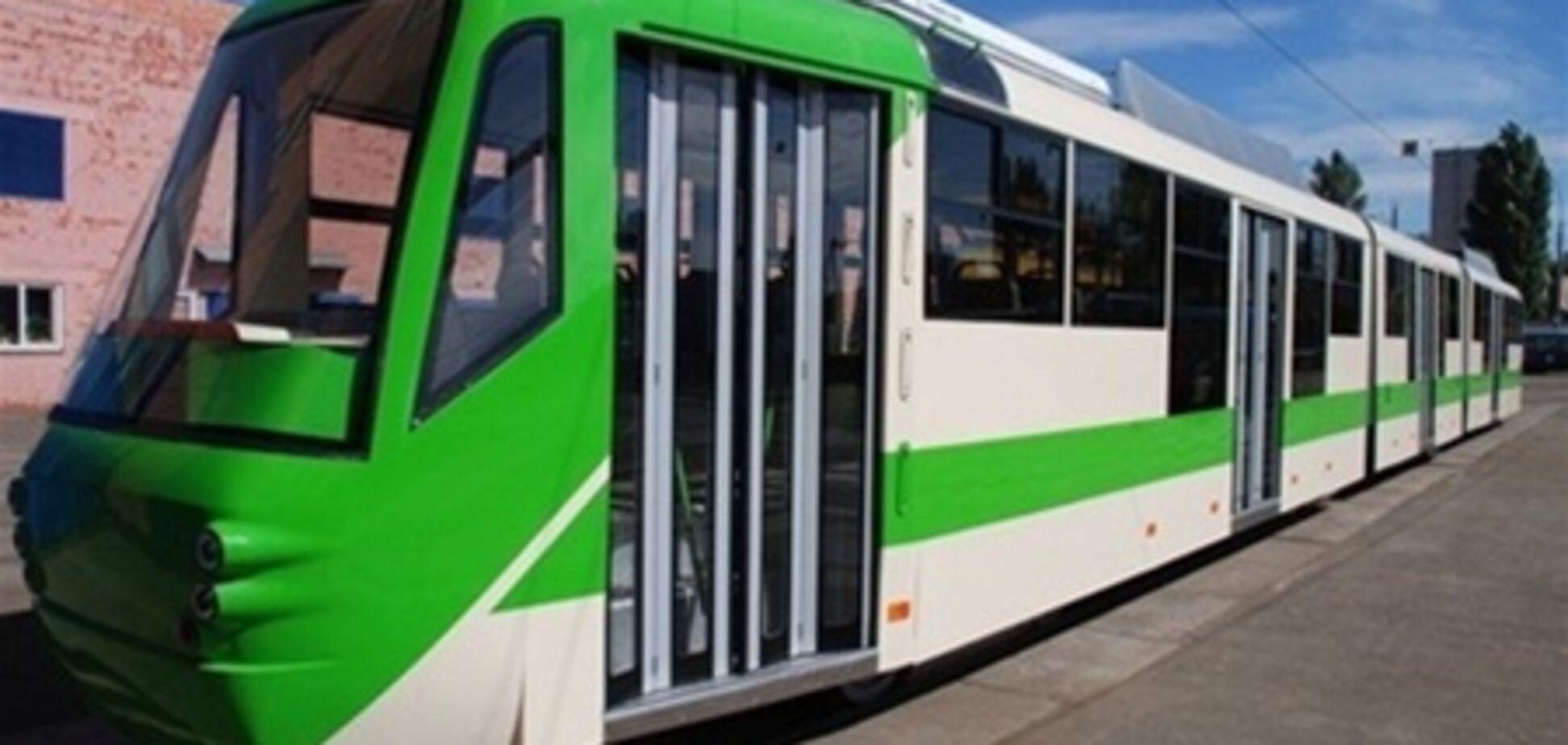 По Киеву пустят 30-метровые зеленые трамваи