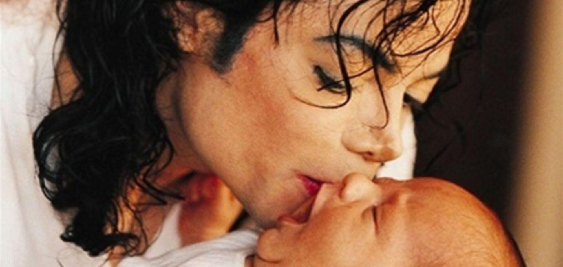 Друг Джексона стверджує, що є справжнім батьком його дітей