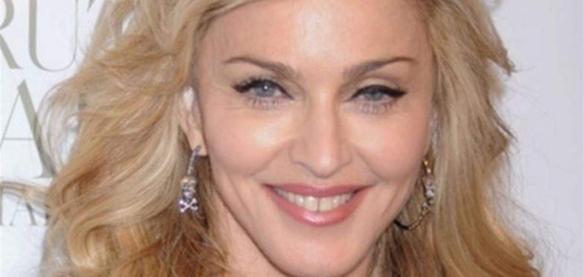 Мадонна прийшла на тусовку напівгола. Фото