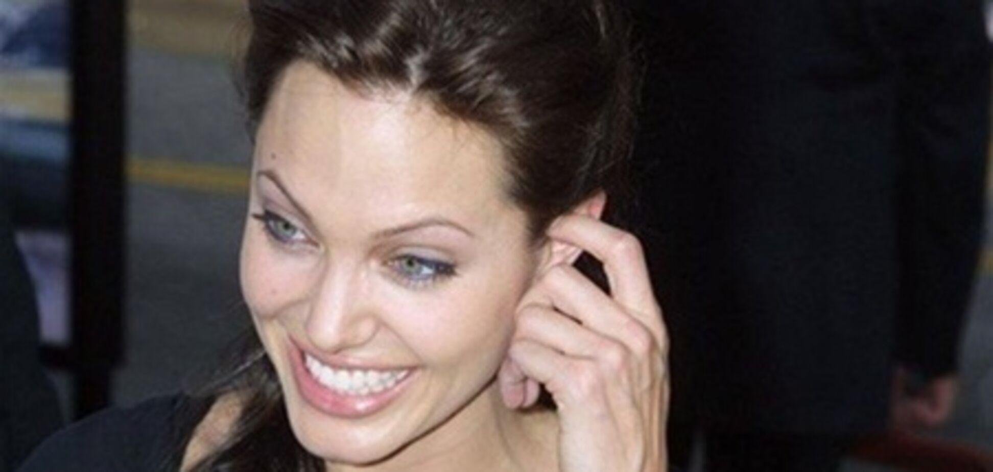 Анджеліна Джолі: від наркоманки до зразкової матері. Фото