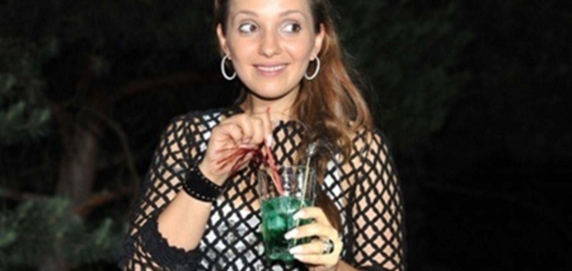 Жужа Тимошенко носить босоніжки за 10 тис.грн