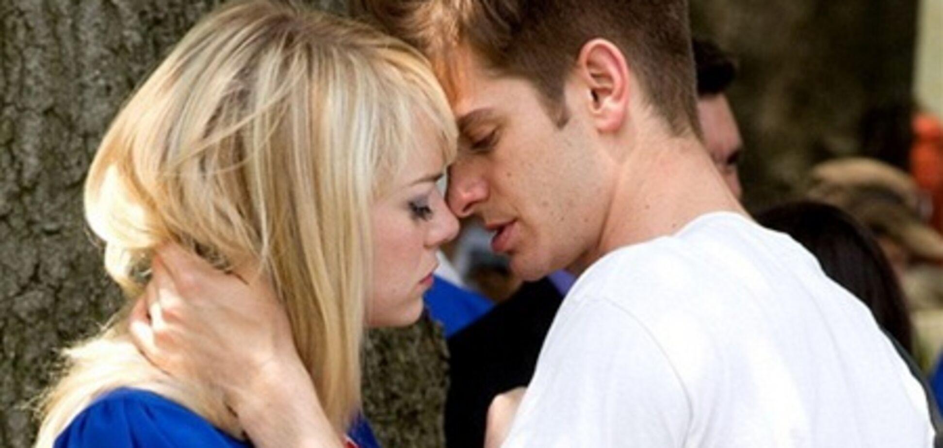 Папарацци застукали Спайдермена за поцелуями