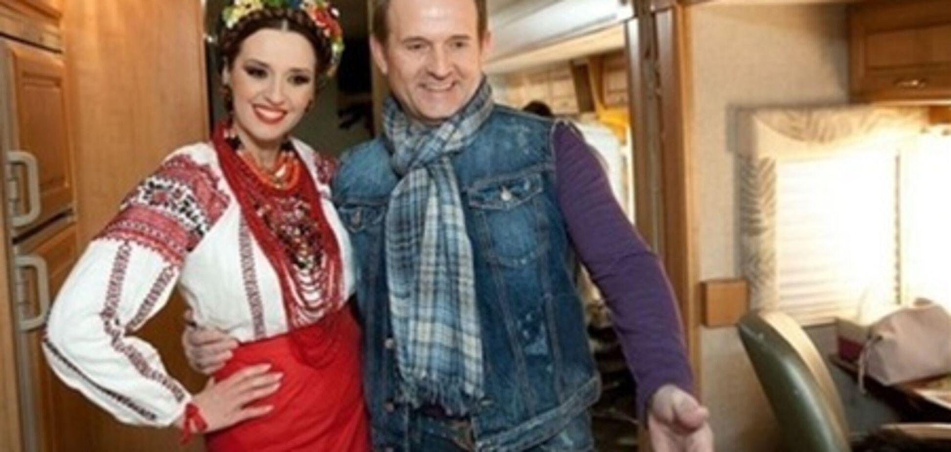 Марченко і Медведчук харчуються в 'Макдональдсі'. Фото