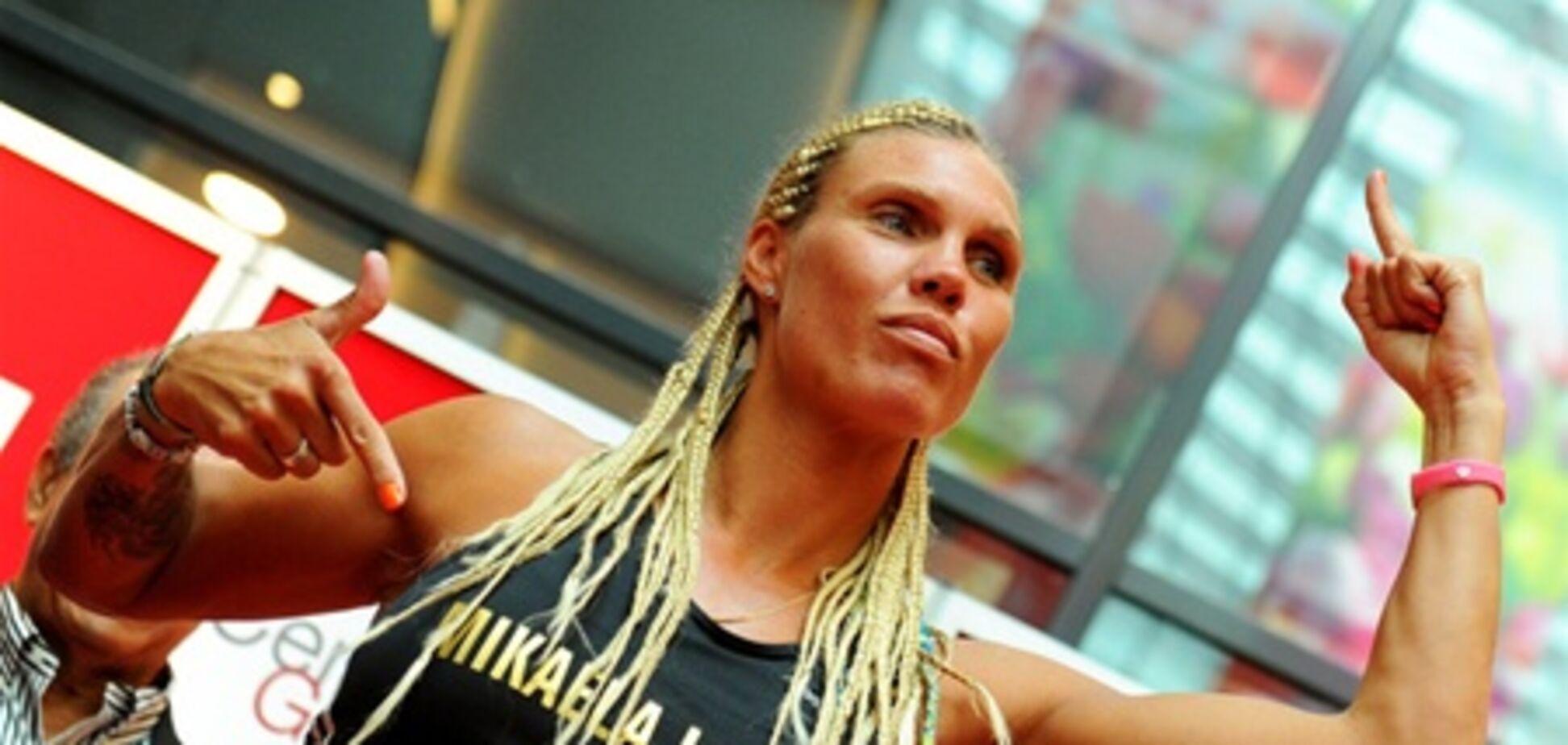 Женский бокс: разврат на взвешивании. Фото