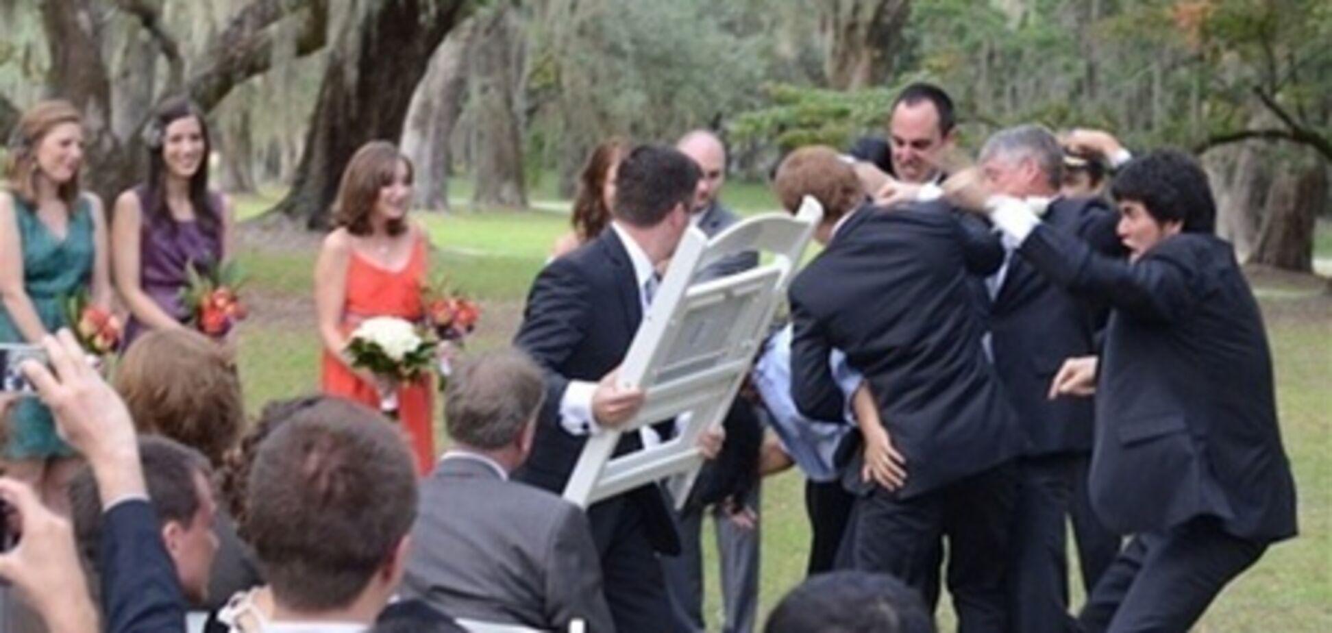 На британській весіллі сталася масова бійка за їжу