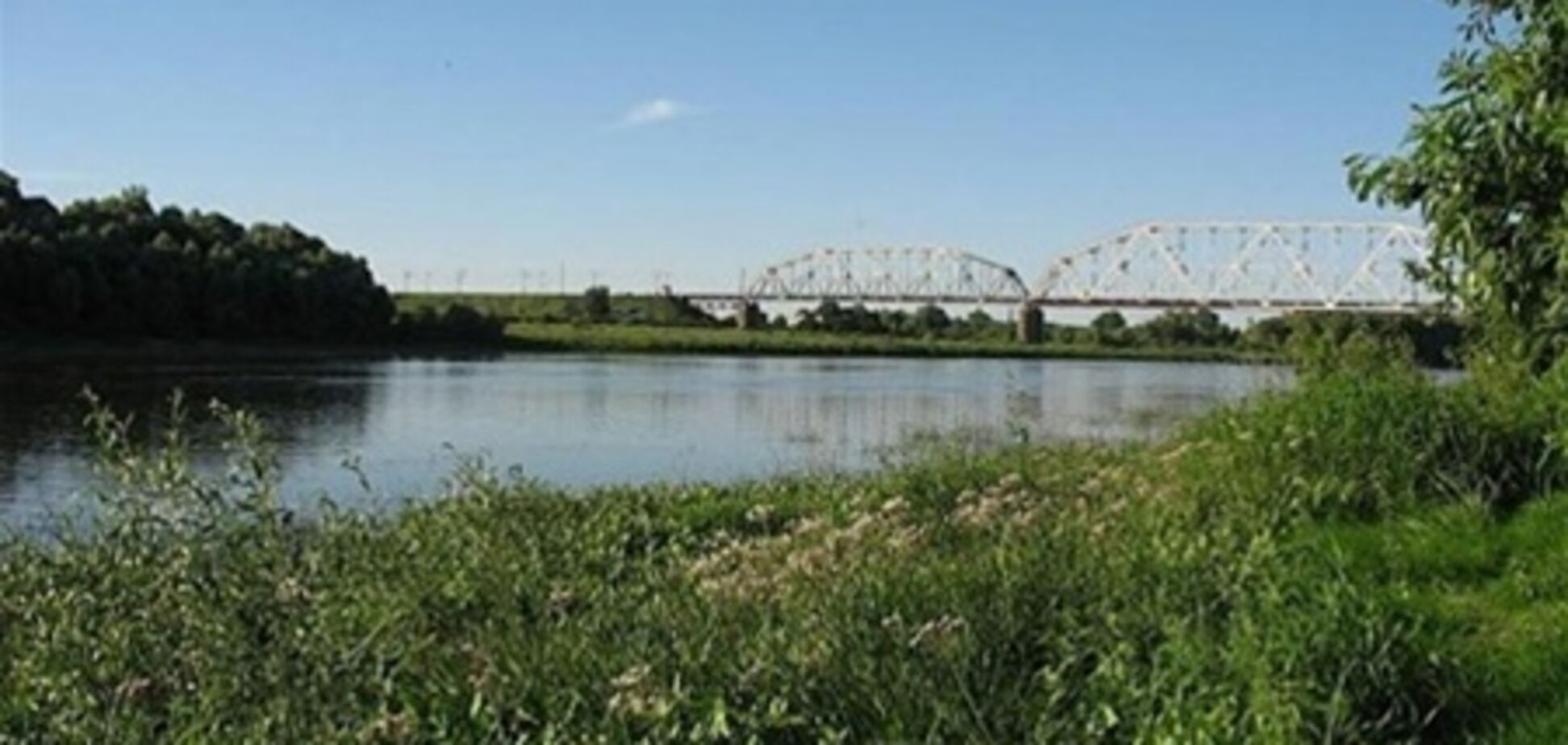 У Чернігові при фарбуванні моста розбилися двоє робітників