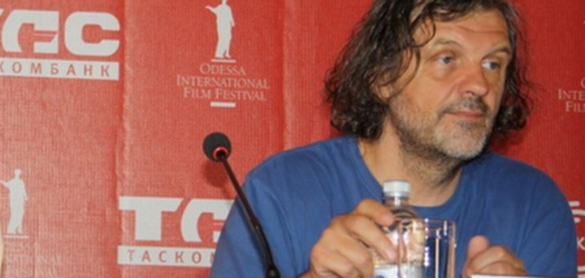 Эмир Кустурица: 'Вам показывают фильмы с Анджелиной Джоли, чтобы вы перестали думать'