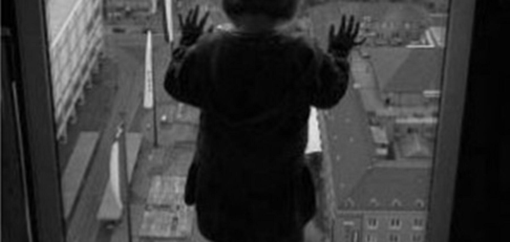У Севастополі дитина вижила після падіння з п'ятого поверху
