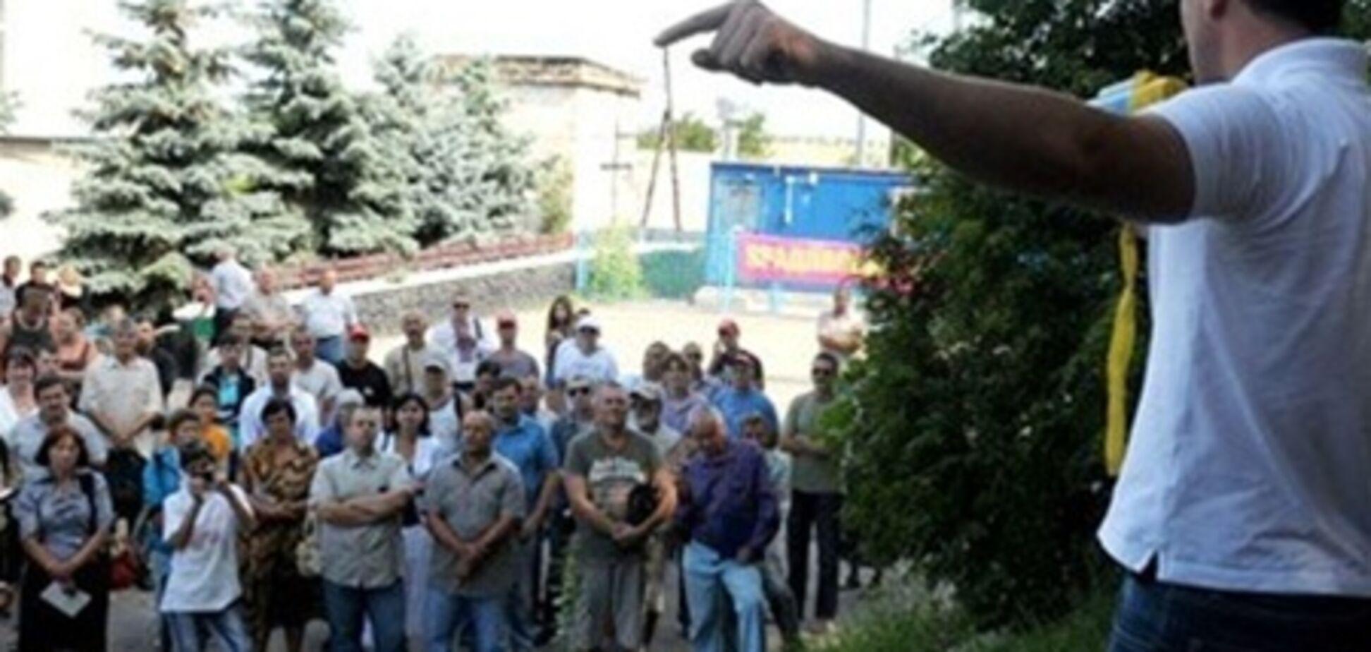 Начальник обласного главку міліції прибув до Фастова вислухати народ