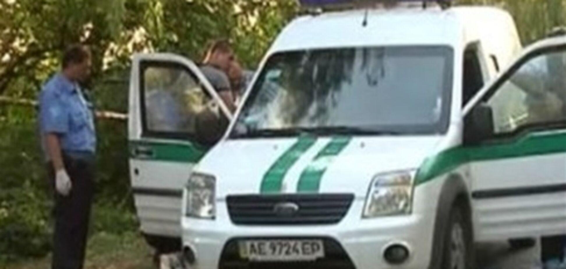 Вбивцю інкасаторів на Дніпропетровщині зловили після покупки сорочки