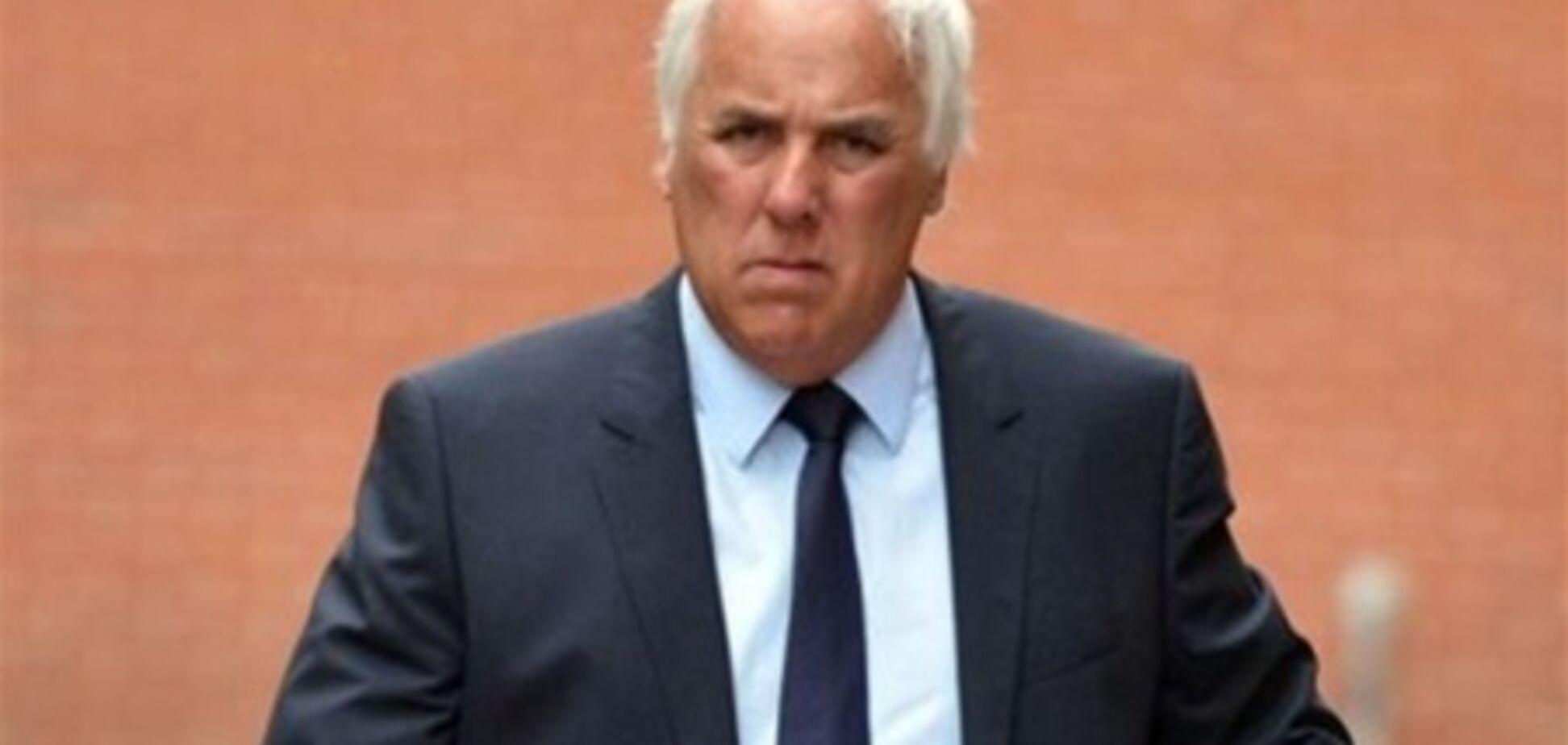 Отца известных английских футболистов обвиняют в изнасиловании