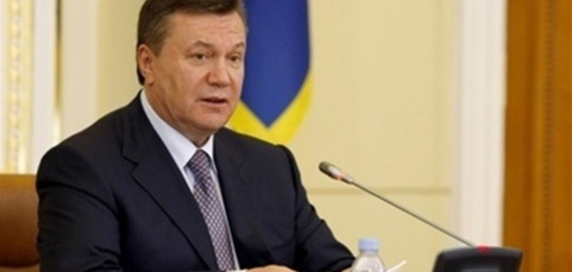 Акордеоніст Табачник порівняв Януковича з Мойсеєм