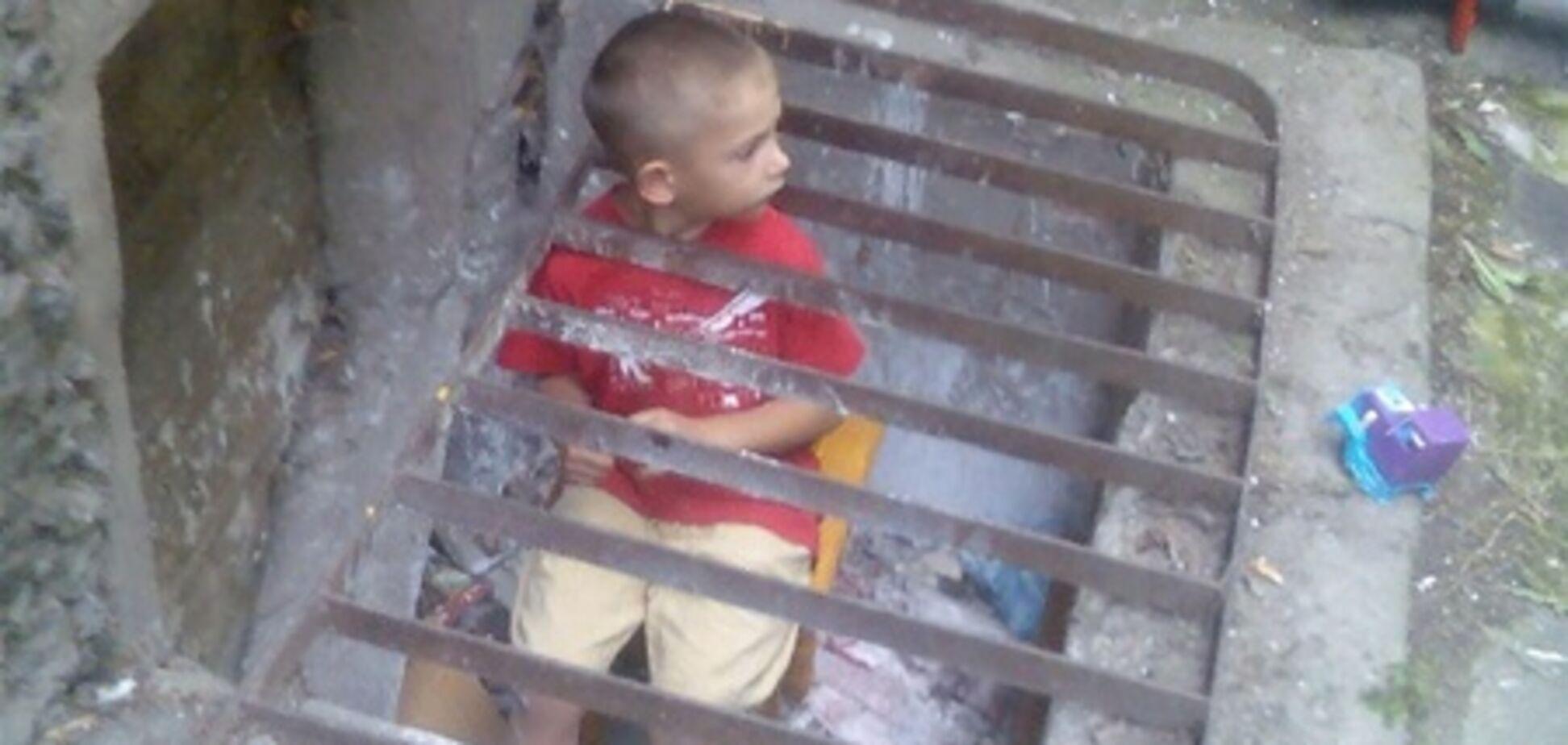 На Полтавщині 4-річний хлопчик застряг у металевій решітці