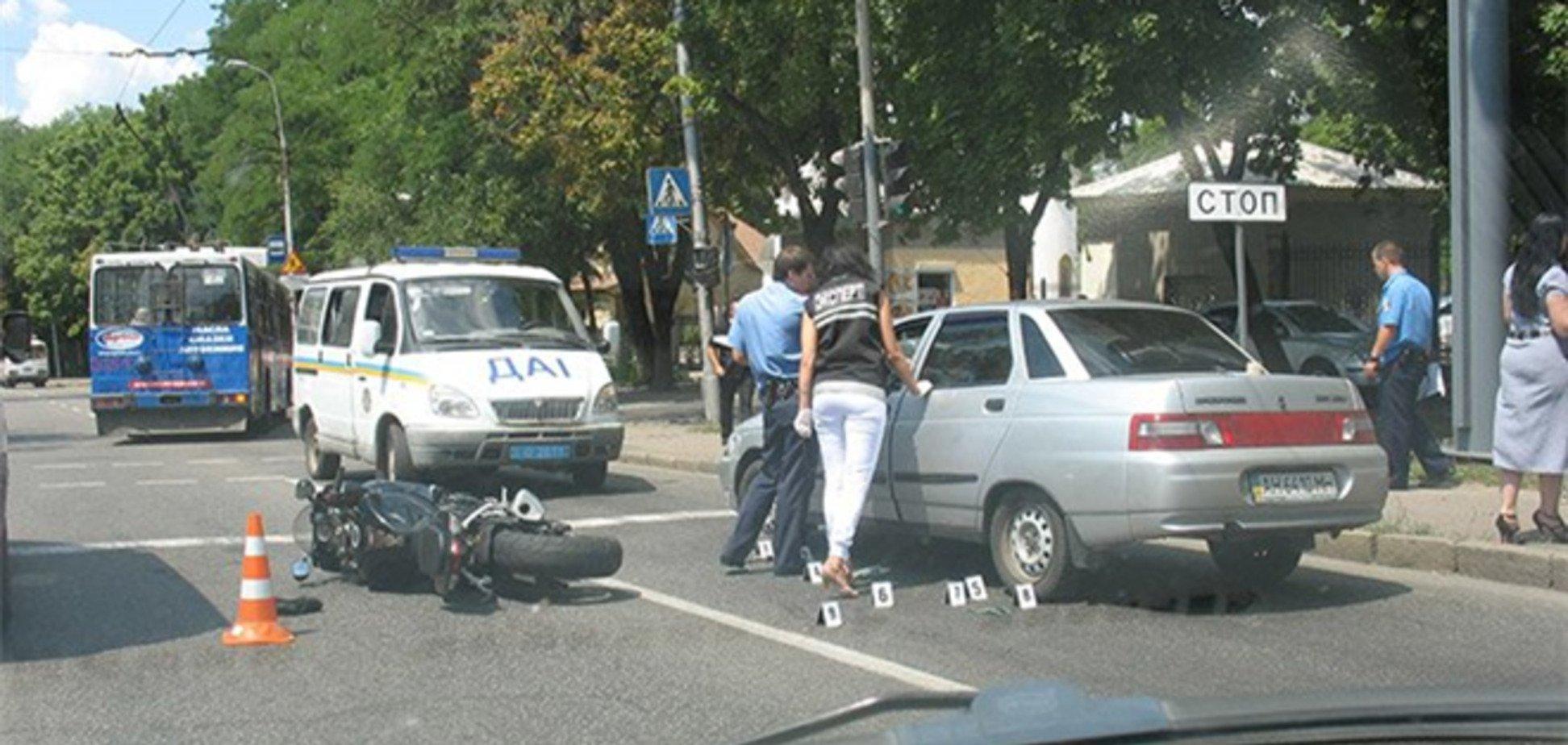 Стрільба мотоцикліста в водія авто в Донецьку: подробиці
