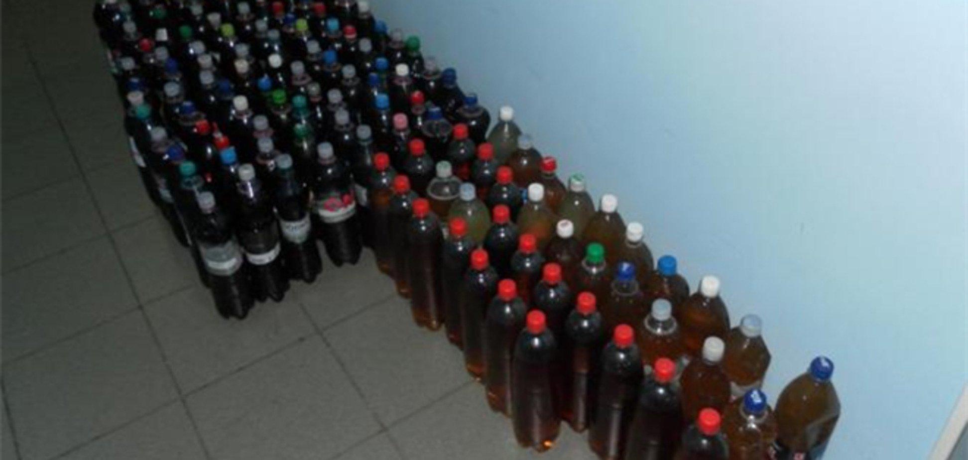 Молдавани у двох потягах везли майже 250 літрів вина