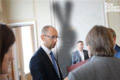 Чи зможе Яценюк позбутися тіні кролика?