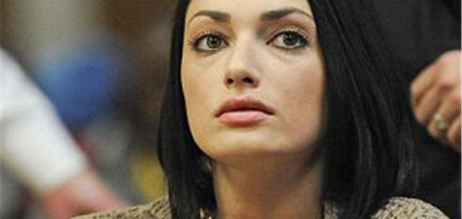 Українка пограбувала екс-чоловіка моделі Нікі Хілтон на $ 1 млн