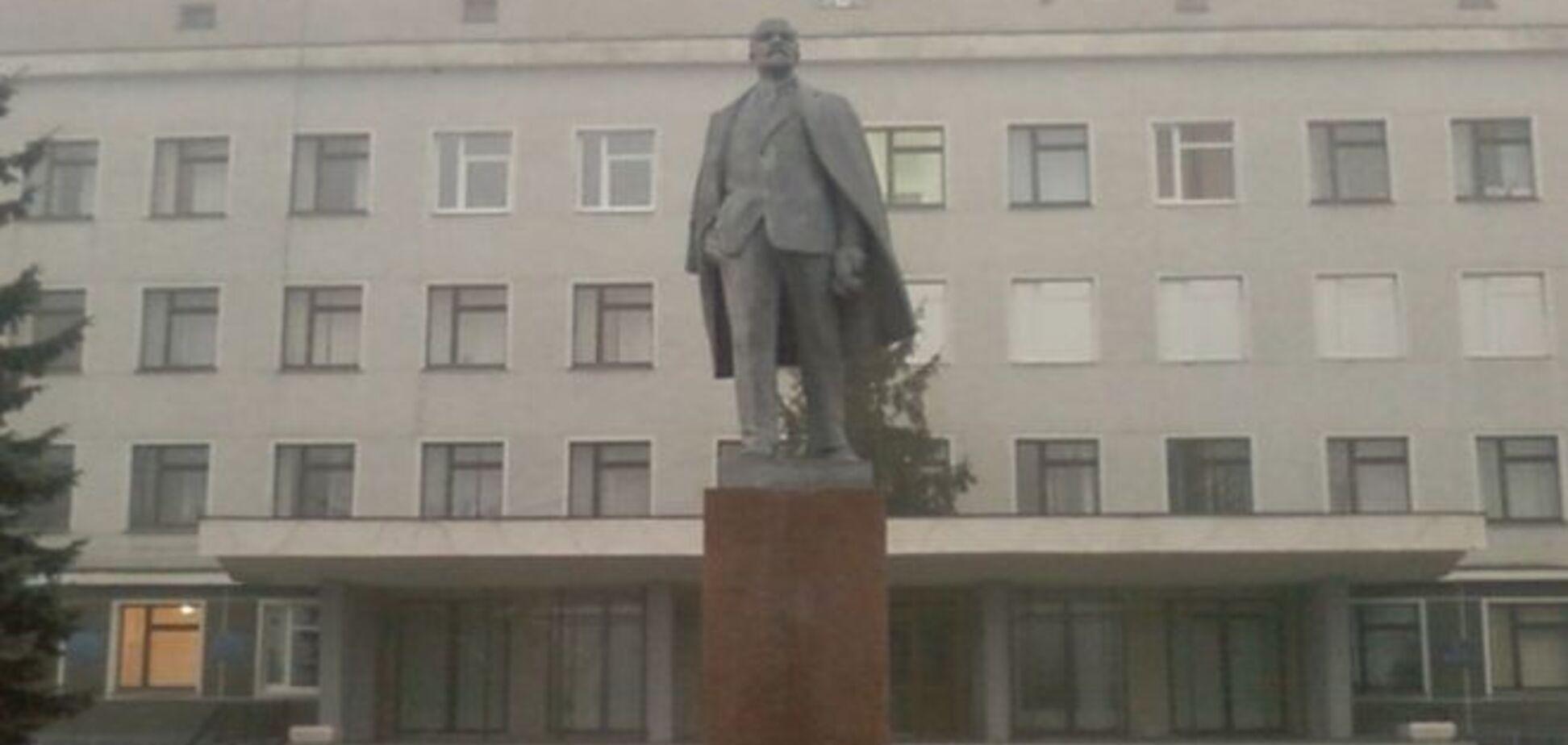 Суд дозволив знести пам'ятник Леніну на Житомирщині