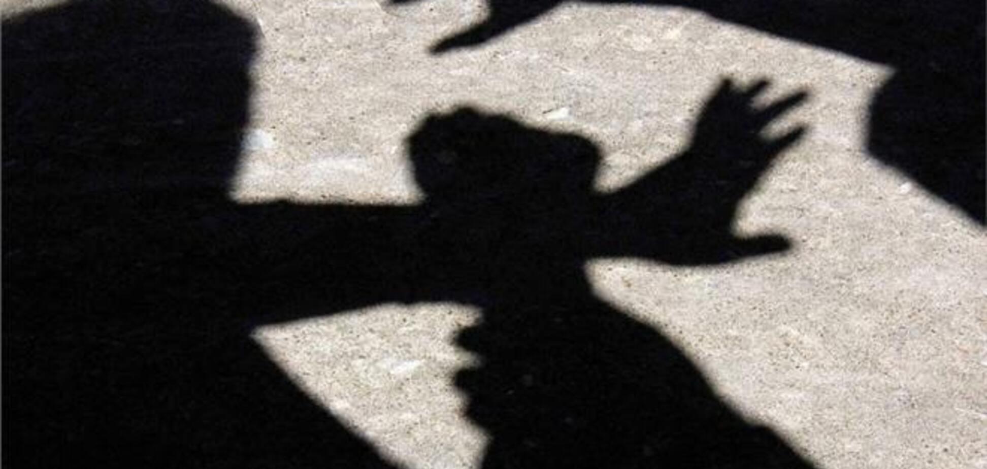 На Львівщині хлопець згвалтував дівчинку, хвору на ДЦП