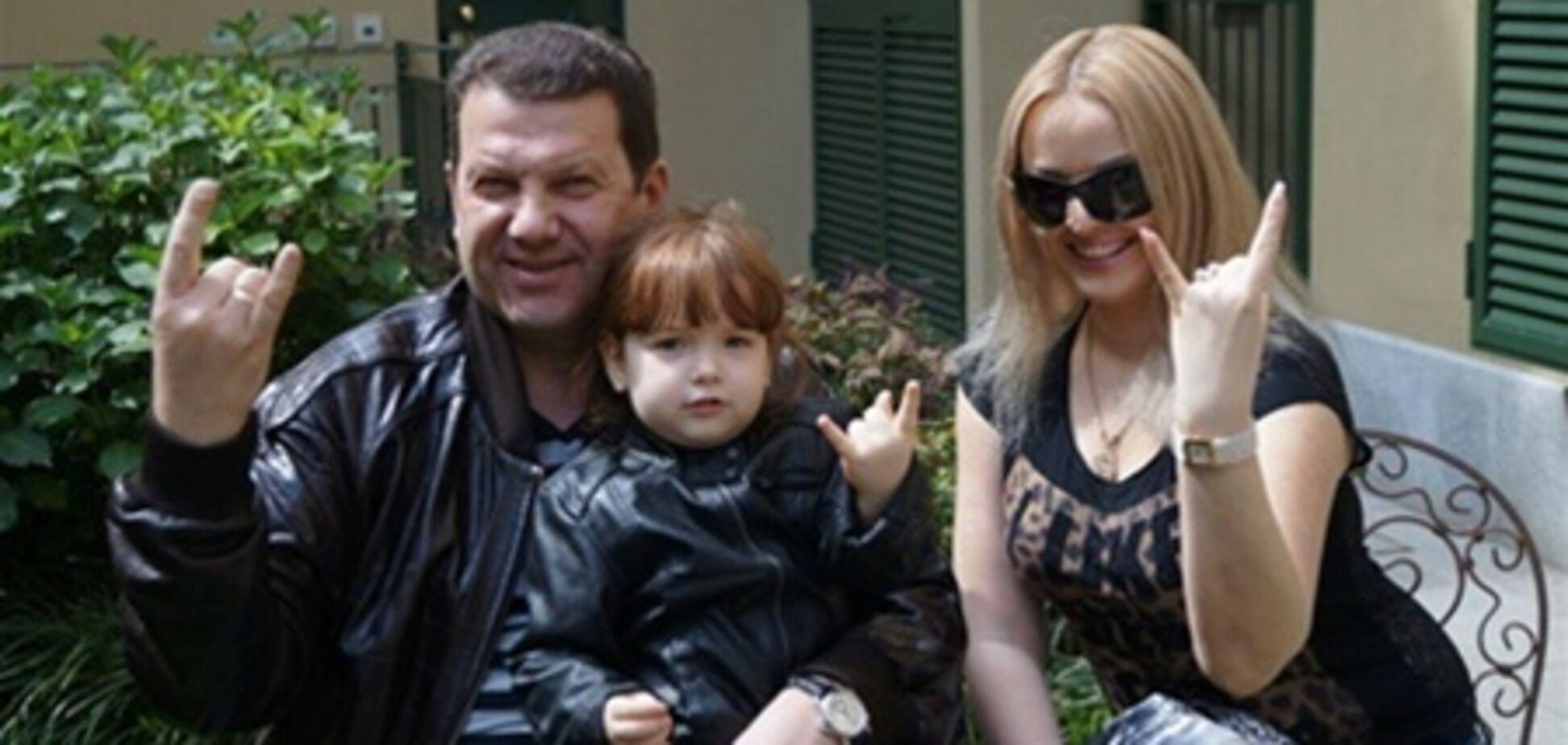 Скандал вокруг развода экс-премьера Крыма: Куницын показал новую жену