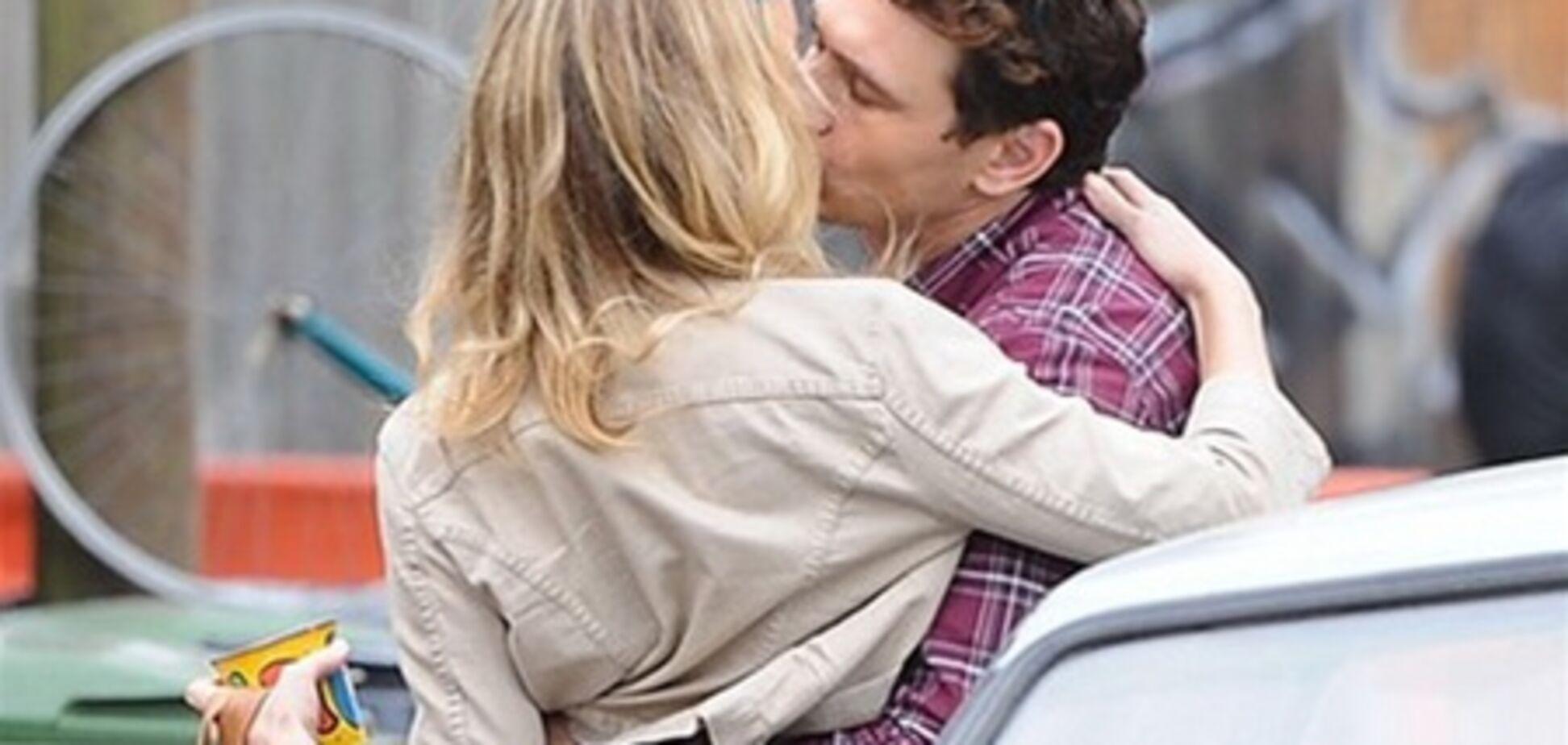 Кейт Хадсон застукали за поцелуями с Джеймсом Франко