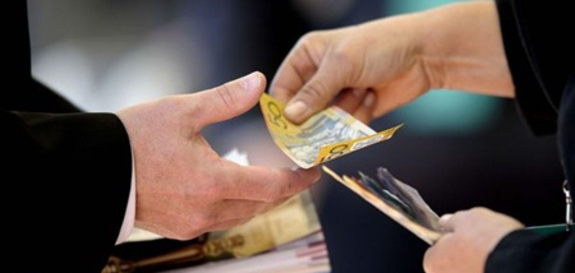 На Запоріжжі затримали депутата на хабарі в 100 тис. гривень