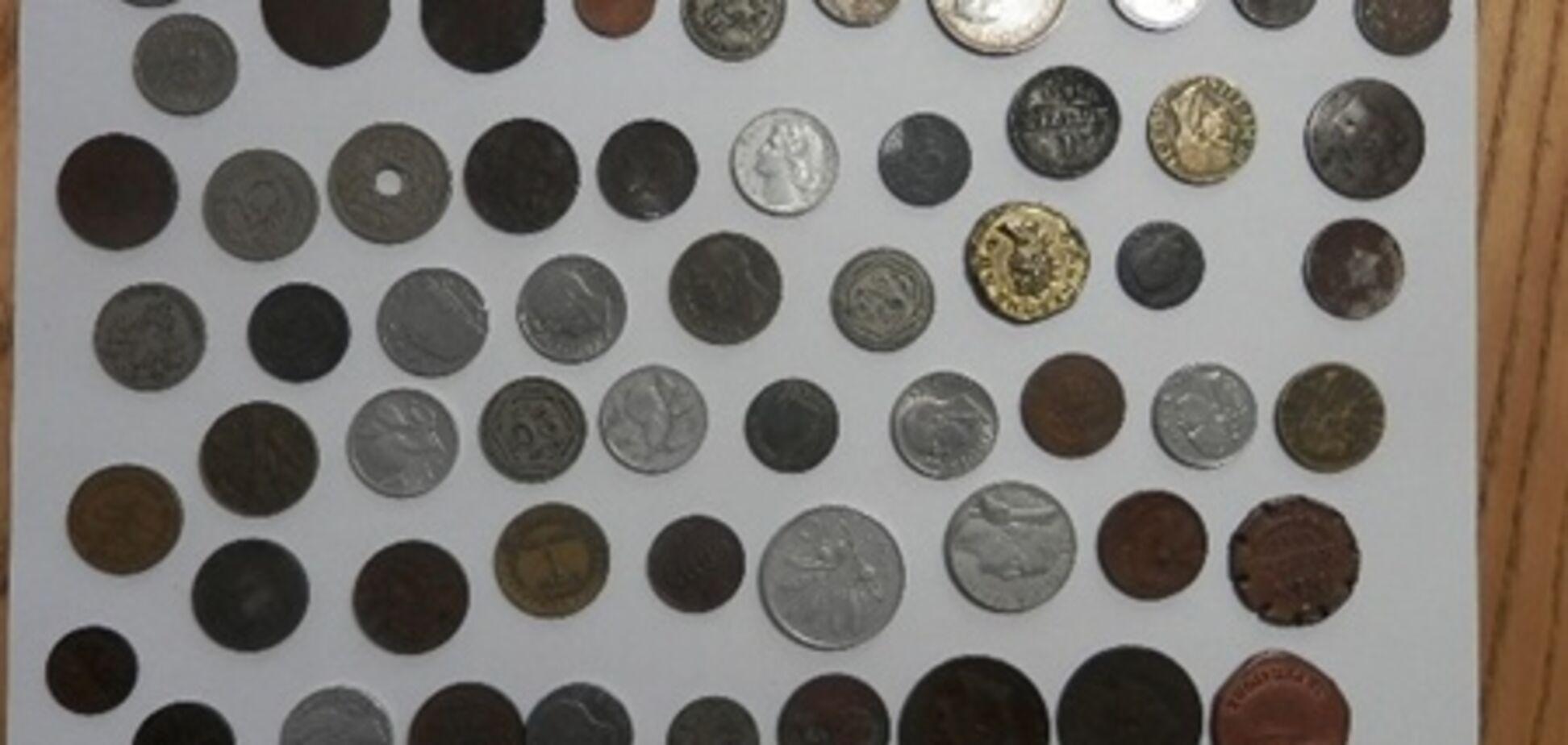 На кордоні України затримали близько 200 старовинних монет