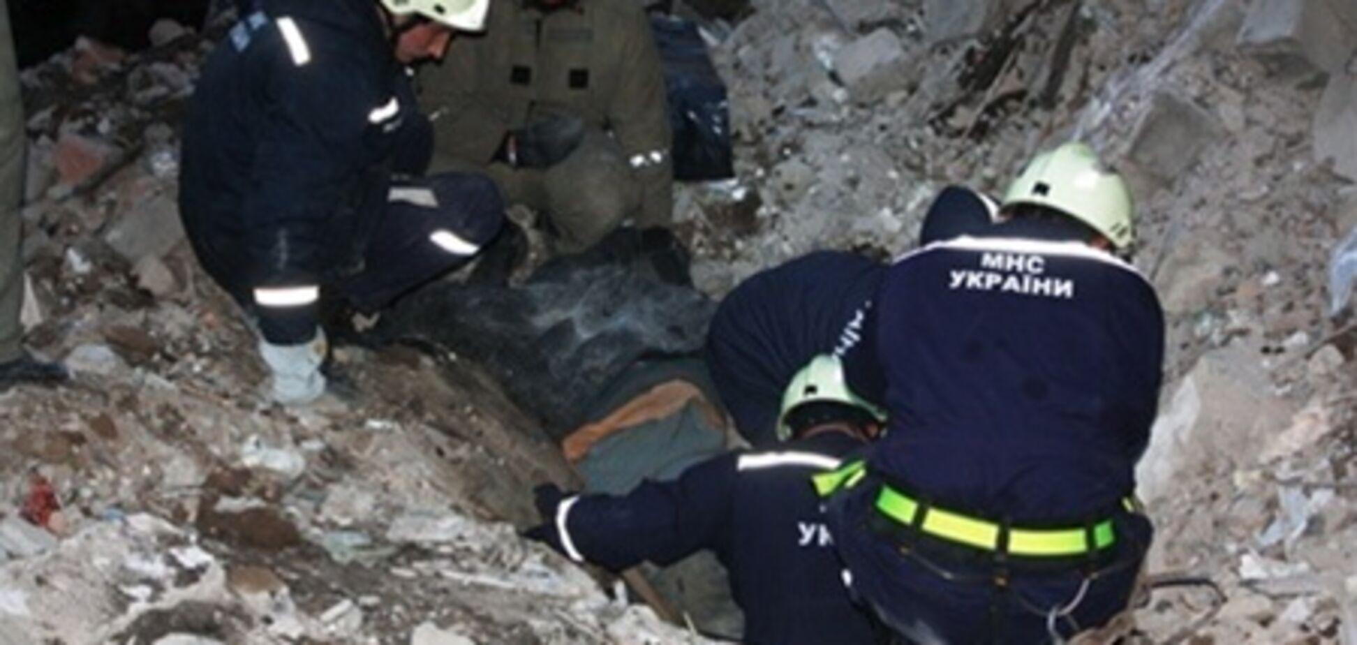 На Донбасі підлітки потрапили до лікарні після обвалення в будівлі