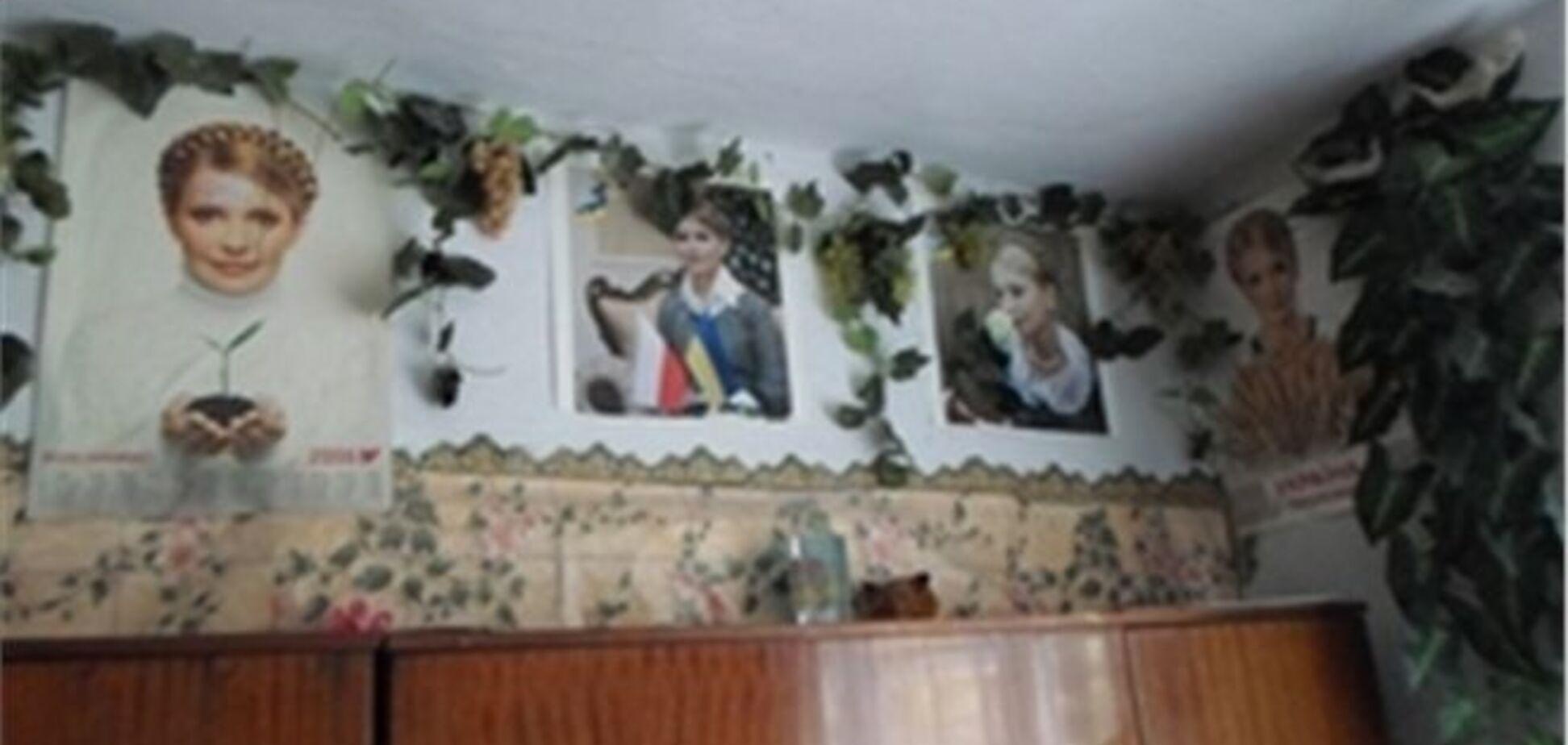 Пенсіонерка зробила зі своєї квартири музей Тимошенко