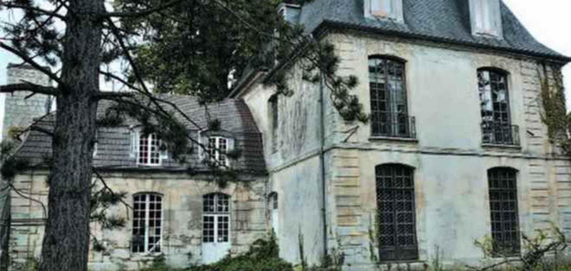 Любимый замок Элтона Джона продается вместе с привидением