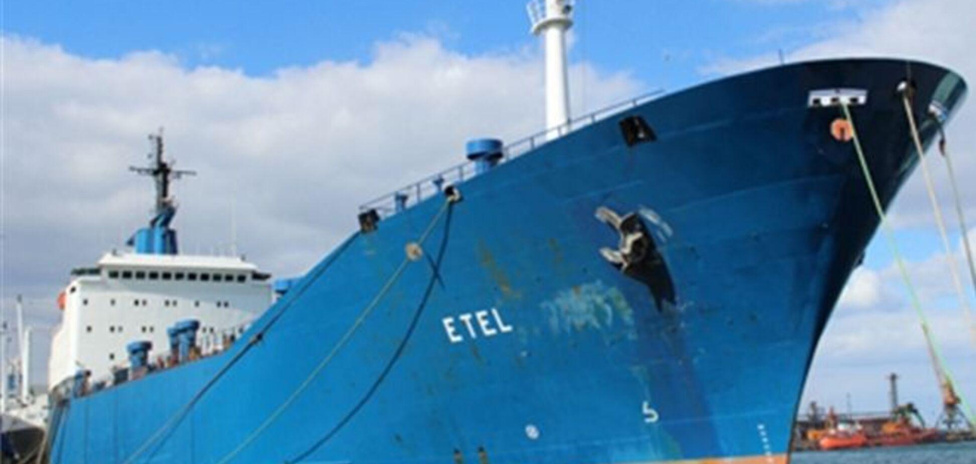 Звільнені в Лівії українські моряки вимагають зарплати у власника судна