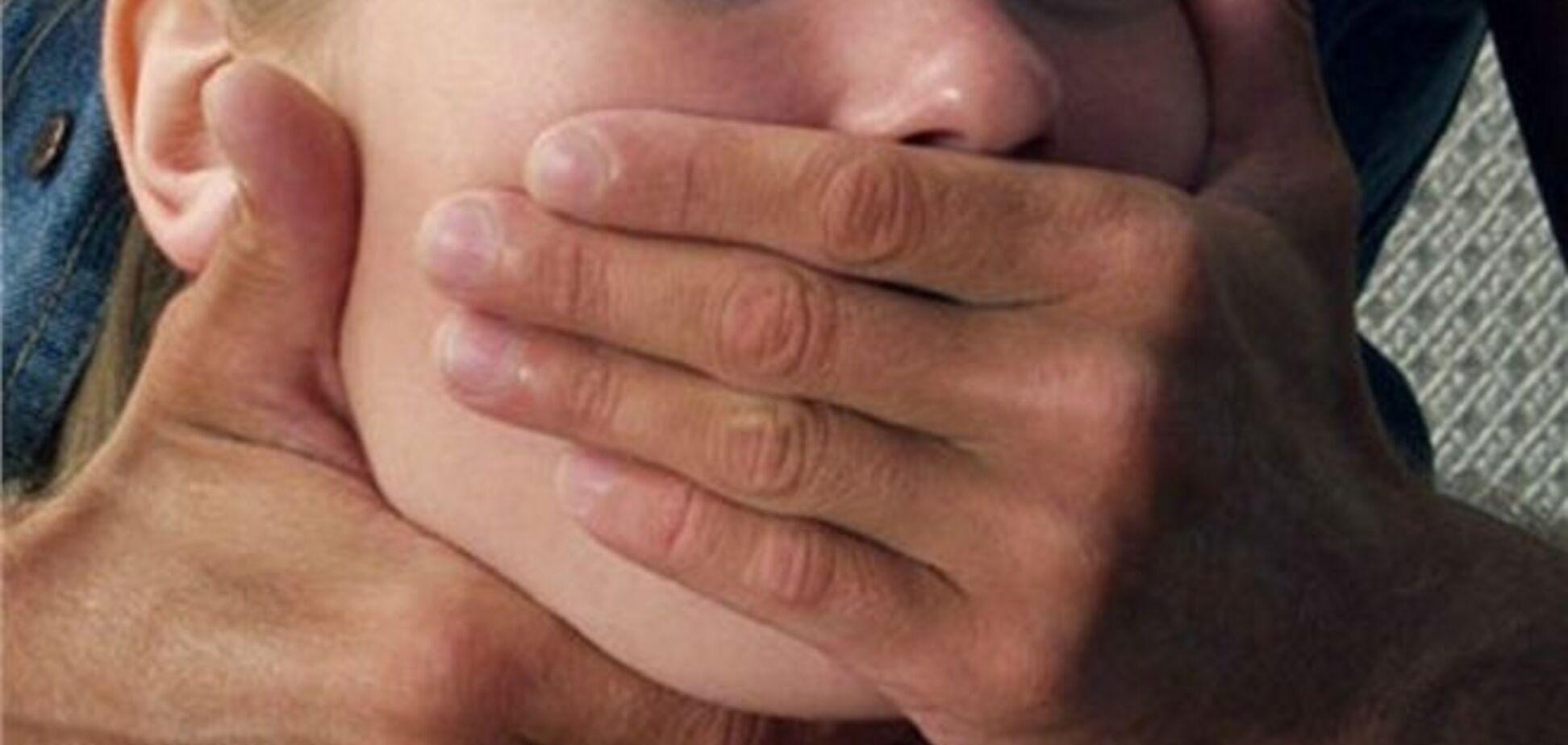 На Миколаївщині хлопчик згвалтував двох сорокарічних жінок