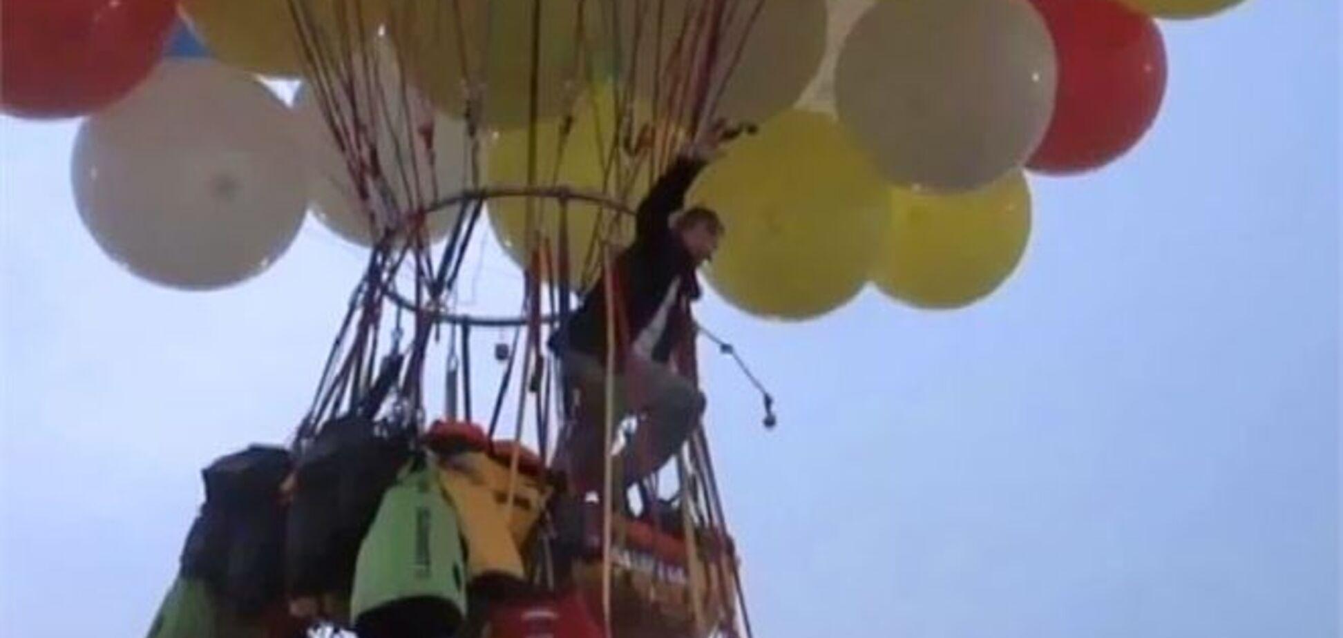 Переліт через Атлантику на повітряних кульках перервався через 12 годин