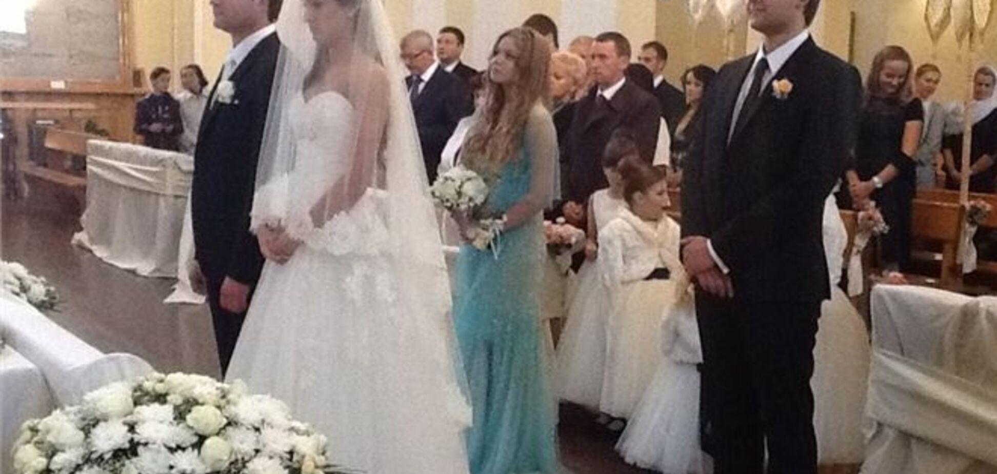 Балога виклав в Facebook фото з весілля сина