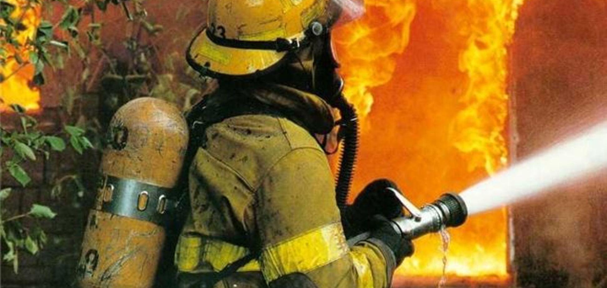 У Севастополі вже 4:00 горить гуртожиток: двоє загиблих
