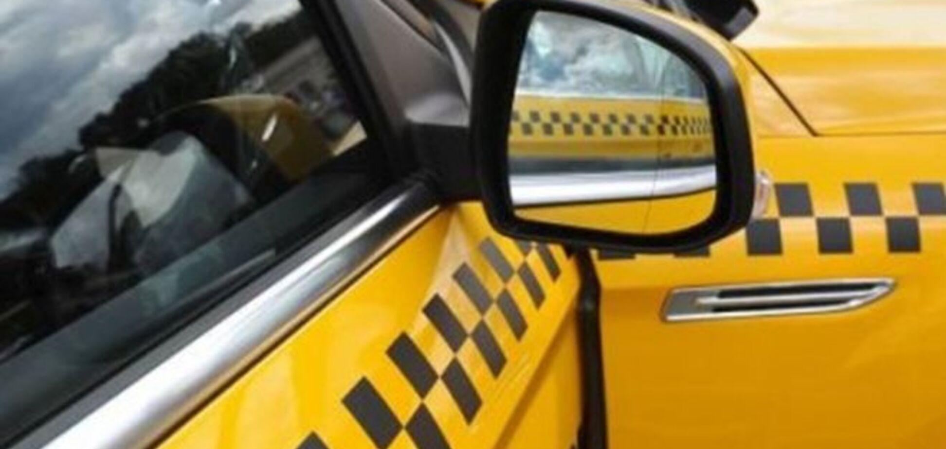 Поранений у потилицю таксист зумів затримати нападника до приїзду міліції