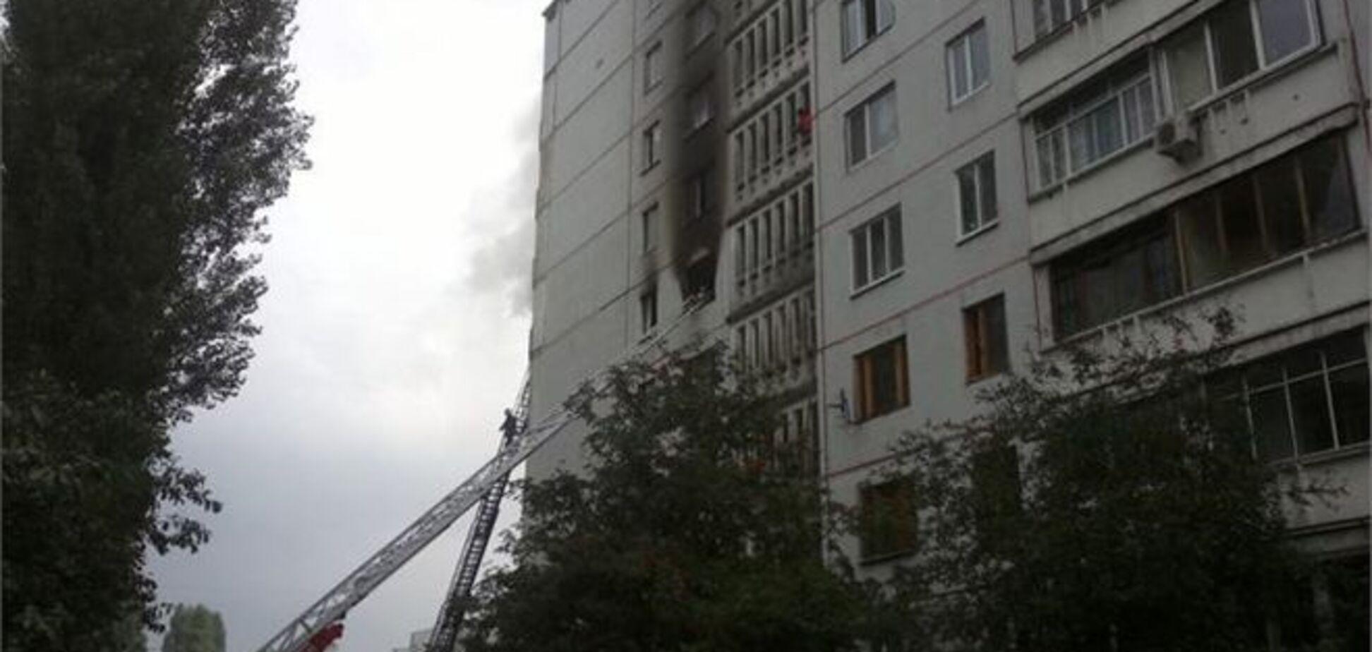 Пожежа в багатоповерхівці Харкова: чоловік отримав опіки 70% тіла
