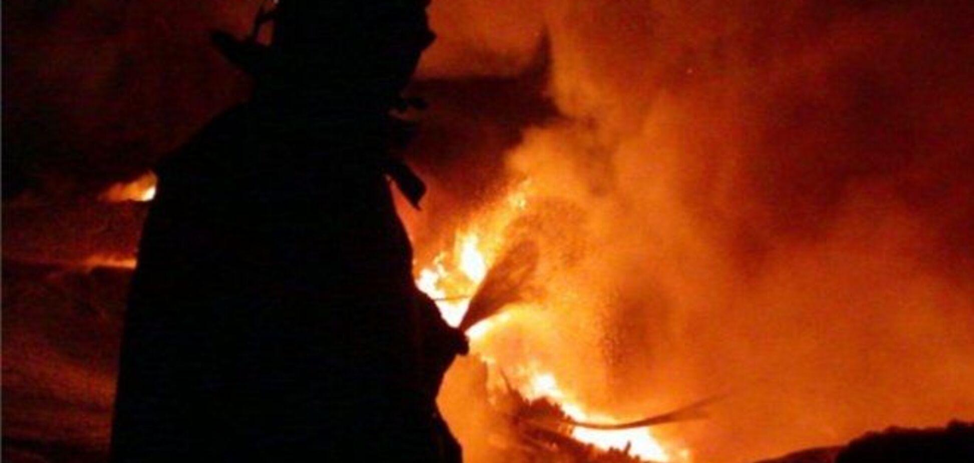 На шахті в Донецькій області другу добу гасять пожежу