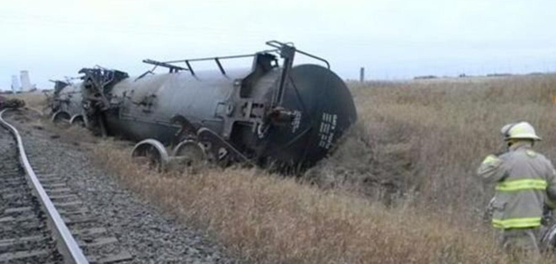 У Канаді зійшов з рейок потяг з нафтою і спиртом