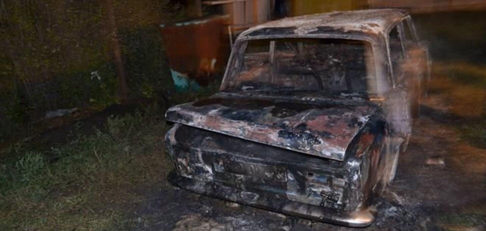 На Луганщині дотла спалили авто активіста 'Дорожнього контролю'