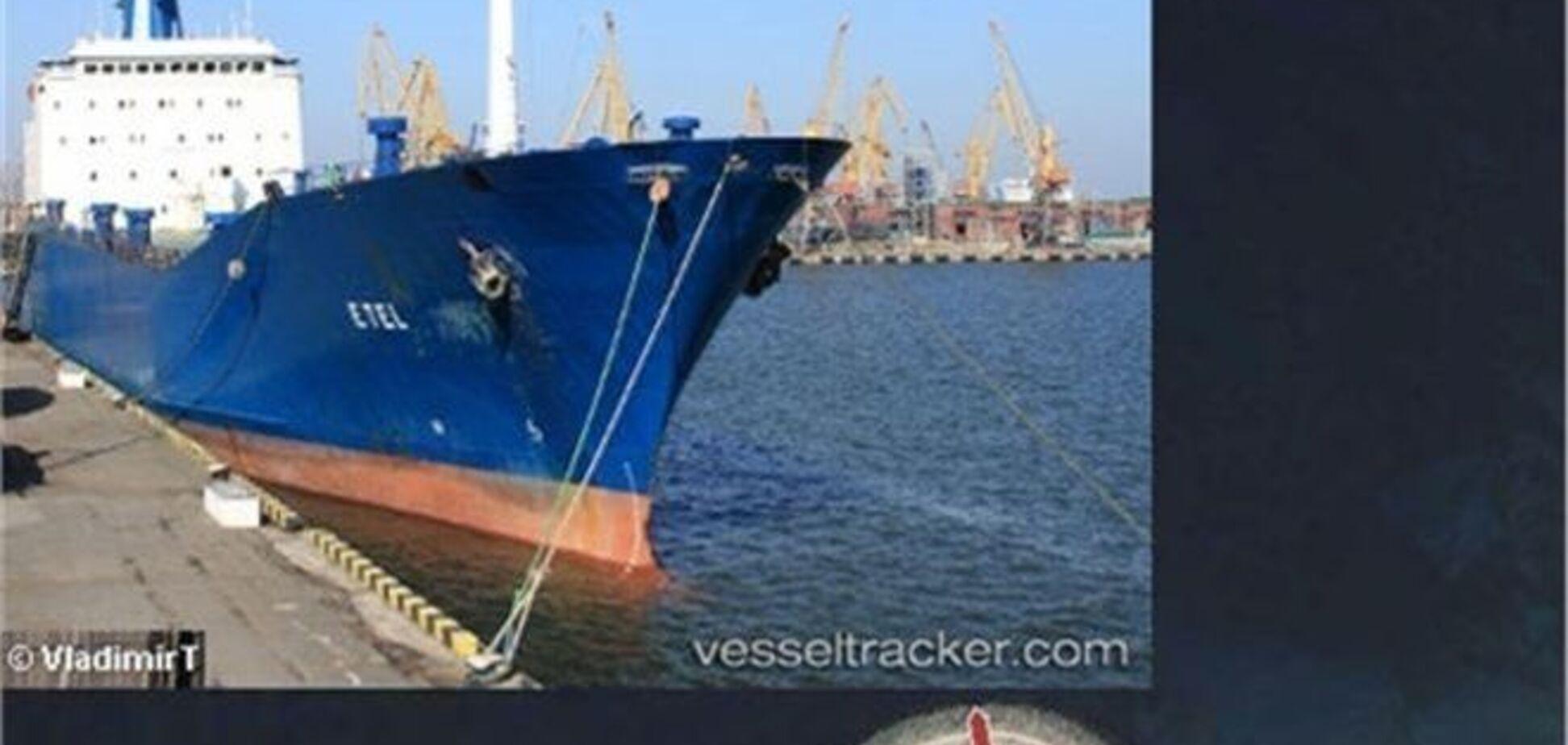 Звільнене в Лівії судно з українцями слід на Кіпр