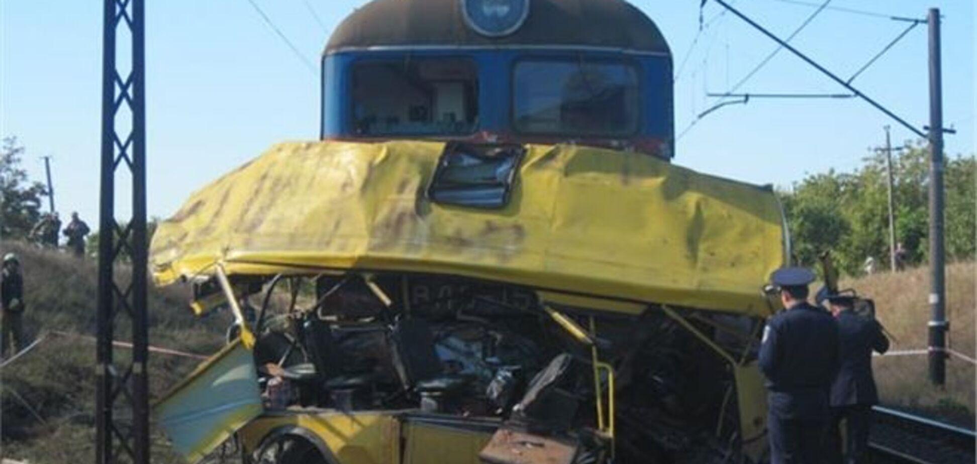 Зіткнення на переїзді з 45 жертвами: власник автобуса отримав 5 років