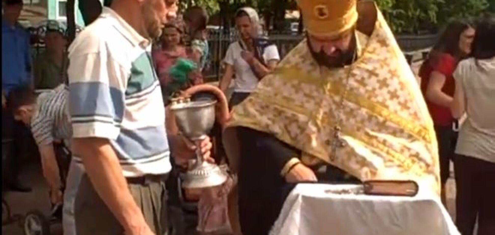 Відео 'Диявол вийшов з людини в центрі Луганська' підірвало Інтернет