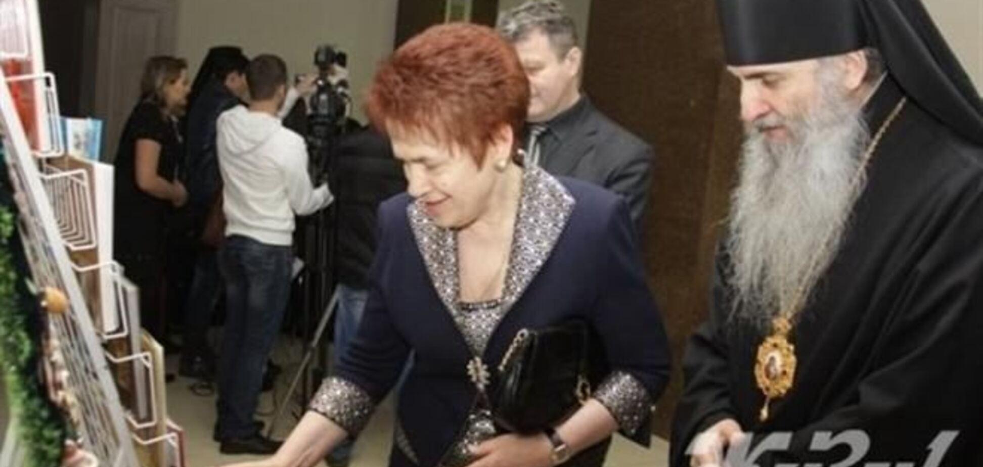 Дружина Януковича сходила на 'культурну' ялинку