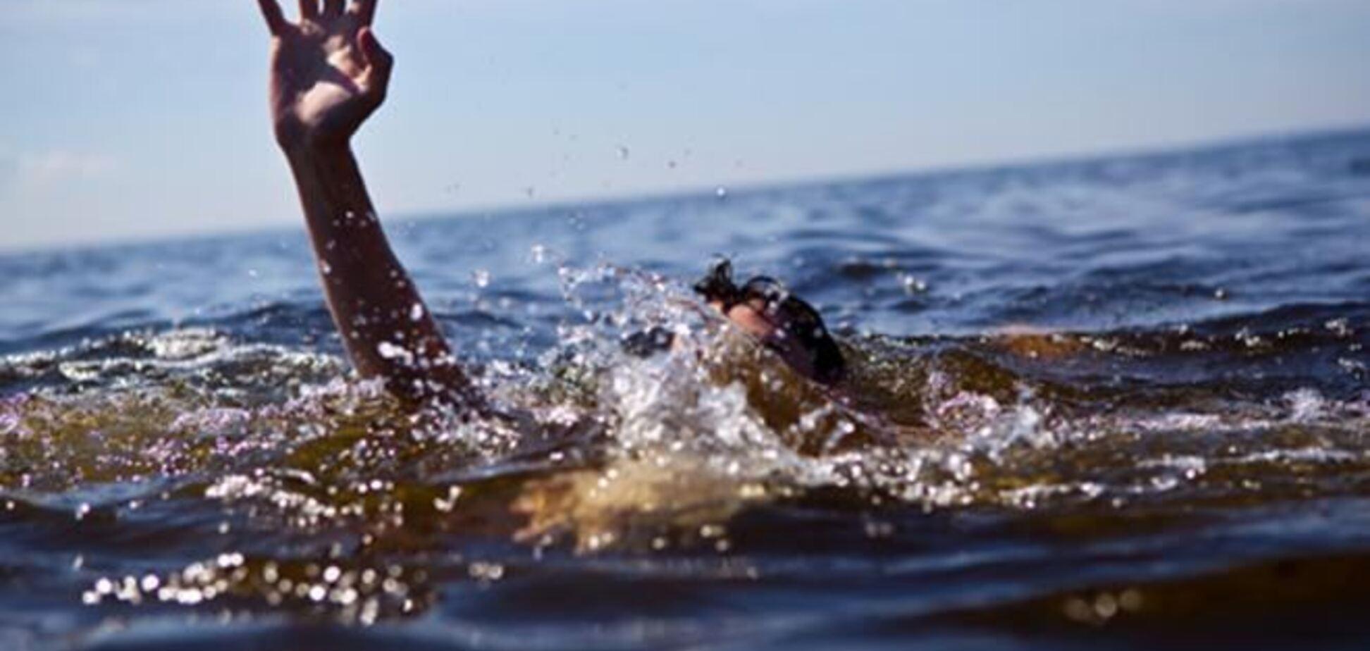 Смертельне полювання: три людини потонули в озері на Херсонщині