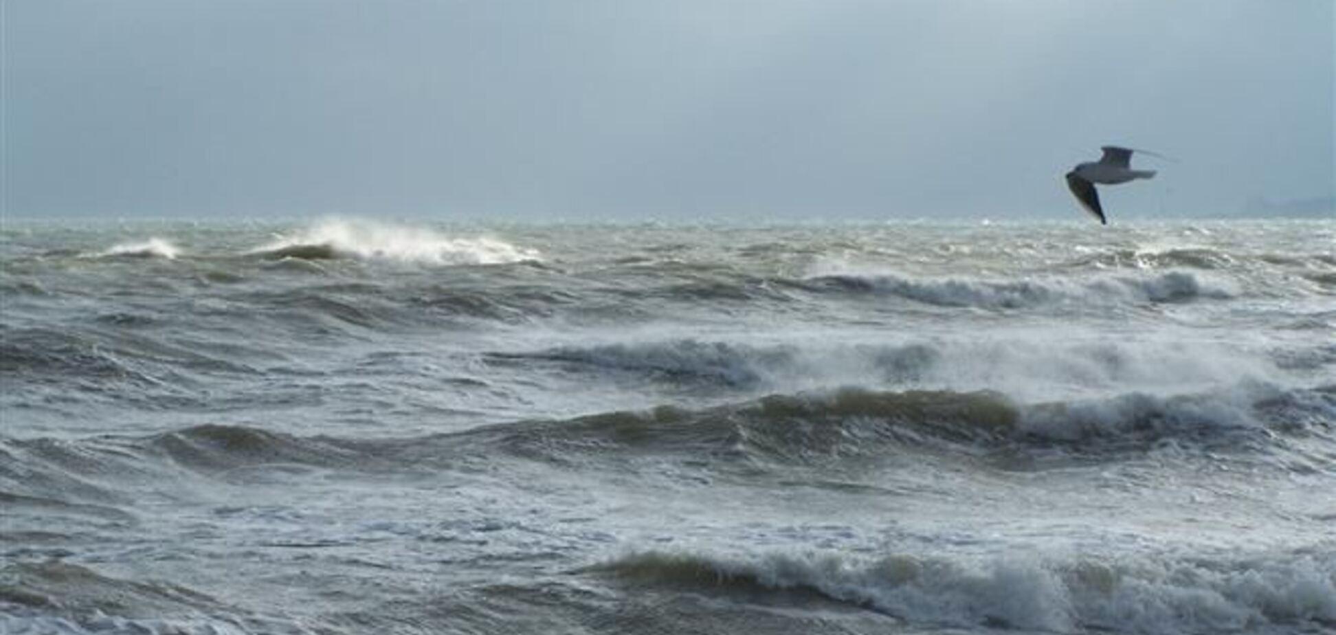 В Азовському морі третій день шукають зниклих рибалок
