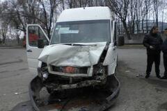 В Днепропетровске столкнулись два автобуса: десять пострадавших