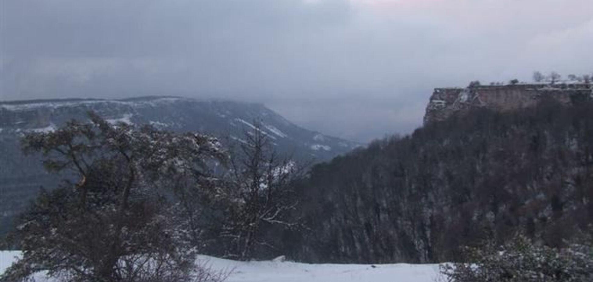 Чоловік вижив, зірвавшись з гори в новорічну ніч в Криму
