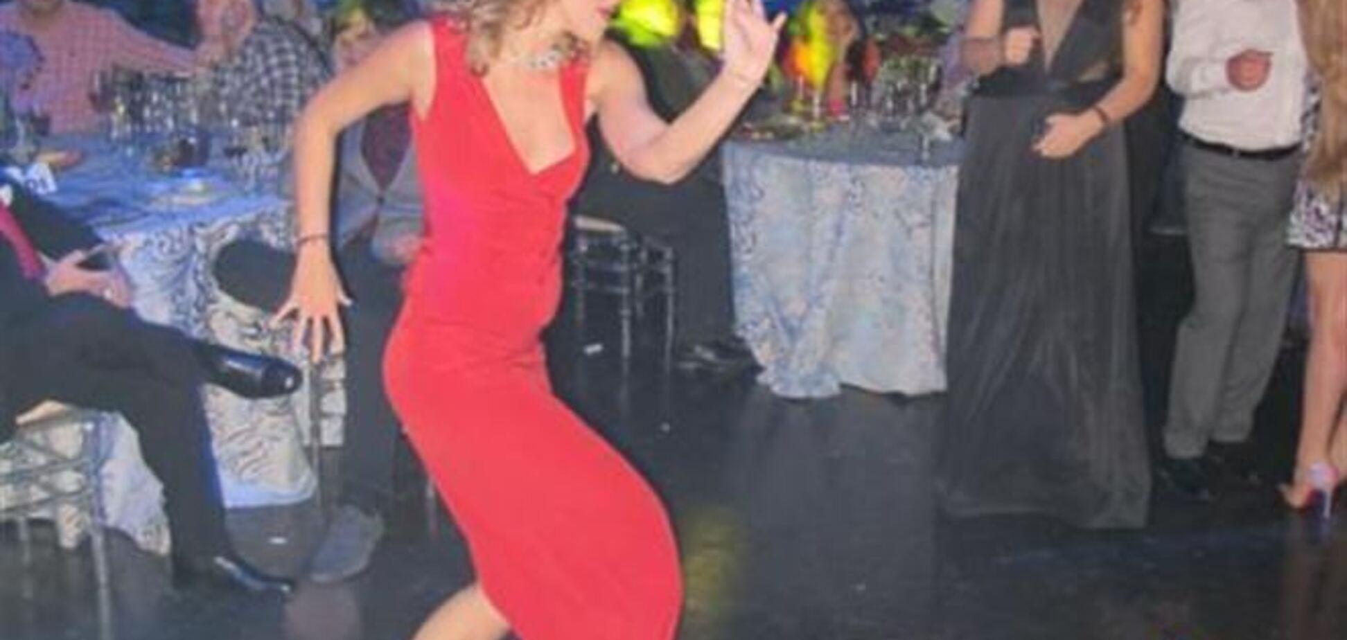 Собчак витанцьовувала босоніж на вечірці олігархів у США